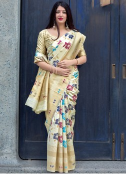 Absorbing Traditional Saree For Wedding
