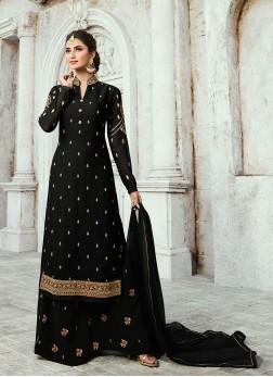 Aristocratic Designer Palazzo Salwar Kameez For Sangeet