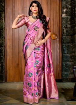Auspicious Designer Saree For Ceremonial