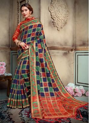 Charismatic Abstract Print Traditional Saree