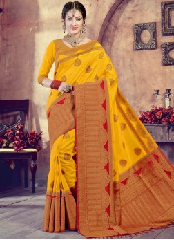 Dazzling Art Silk Traditional Saree