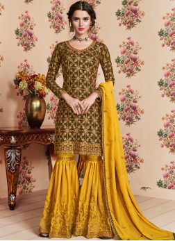 Dazzling Embroidered Designer Pakistani Suit
