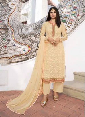Incredible Embroidery Work On Salwar Suit Pakistani Style In Off White