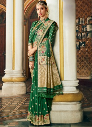 Intriguing Banarasi silk green color Saree with blouse
