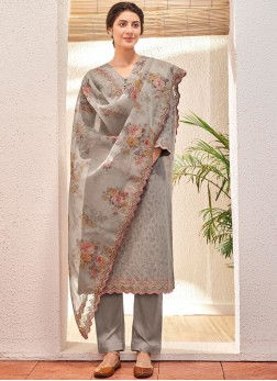Jacquard Pant Style Suit in Grey