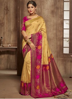 Marvelous Jacquard Silk Bridal Traditional Saree