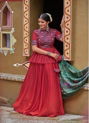 Mesmerizing Silk Fabric Gamathi Work Navratri Festive wear Chaniyacholi