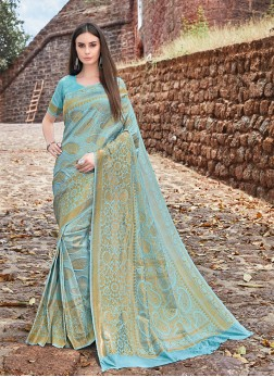 Picturesque Traditional Designer Saree For Ceremonial