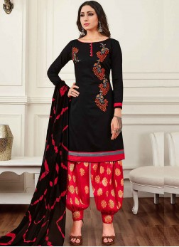 Snazzy Embroidered Punjabi Suit