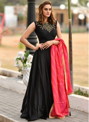 Sumptuous Black Embroidered Trendy Gown