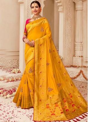 Traditional Designer Saree Weaving Art Silk in Yellow