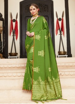 Whimsical Traditional Saree For Party