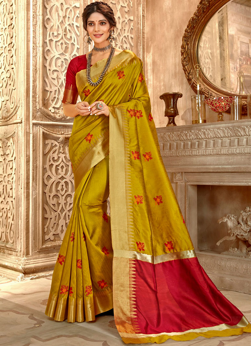 Especial Embroidered Gold Classic Saree