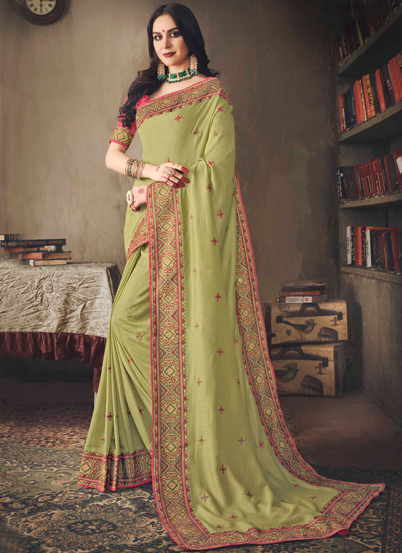 3b7e887915 Flamboyant Green Silk Classic Saree. Hover to zoom