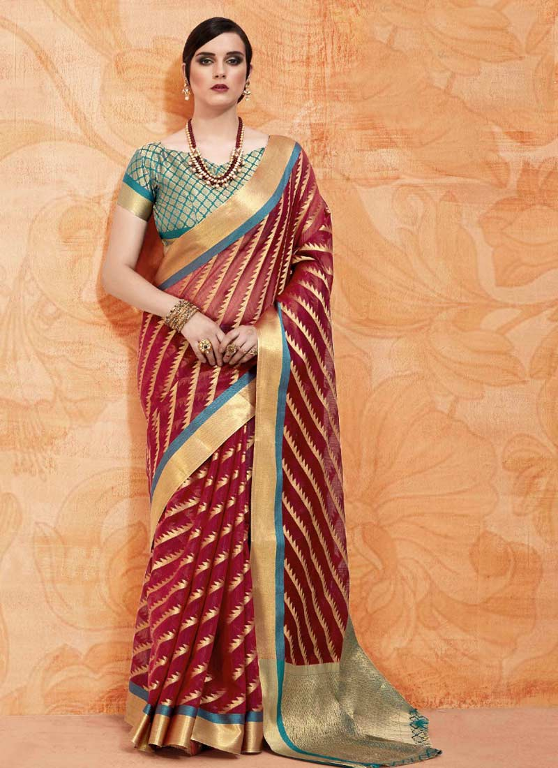 Handloom silk Abstract Print Classic Saree in Brown