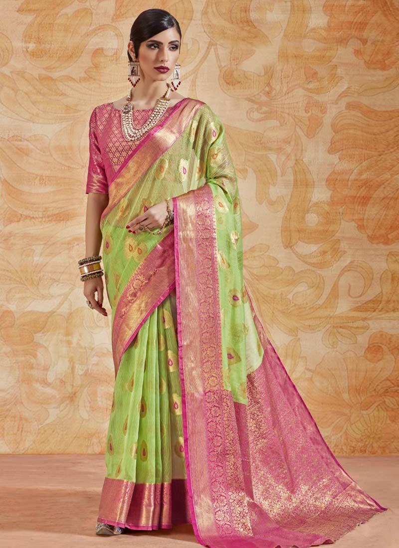 Invaluable Handloom silk Abstract Print Green Classic Saree