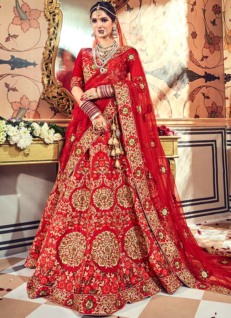 Lehenga Choli Zari Fancy Fabric in Red
