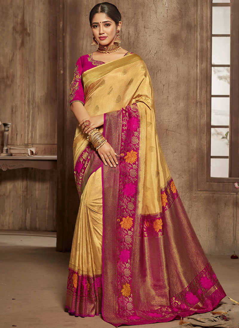 Marvelous Jacquard Silk Bridal Traditional Saree