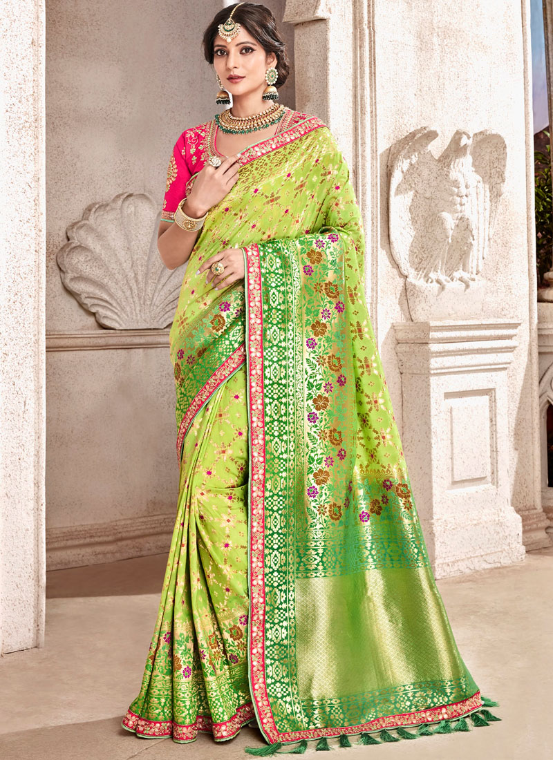Preferable Traditional Designer Saree For Bridal