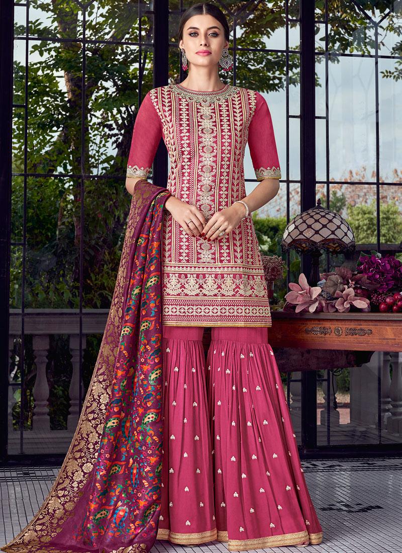 Resplendent Designer Pakistani Suit For Ceremonial