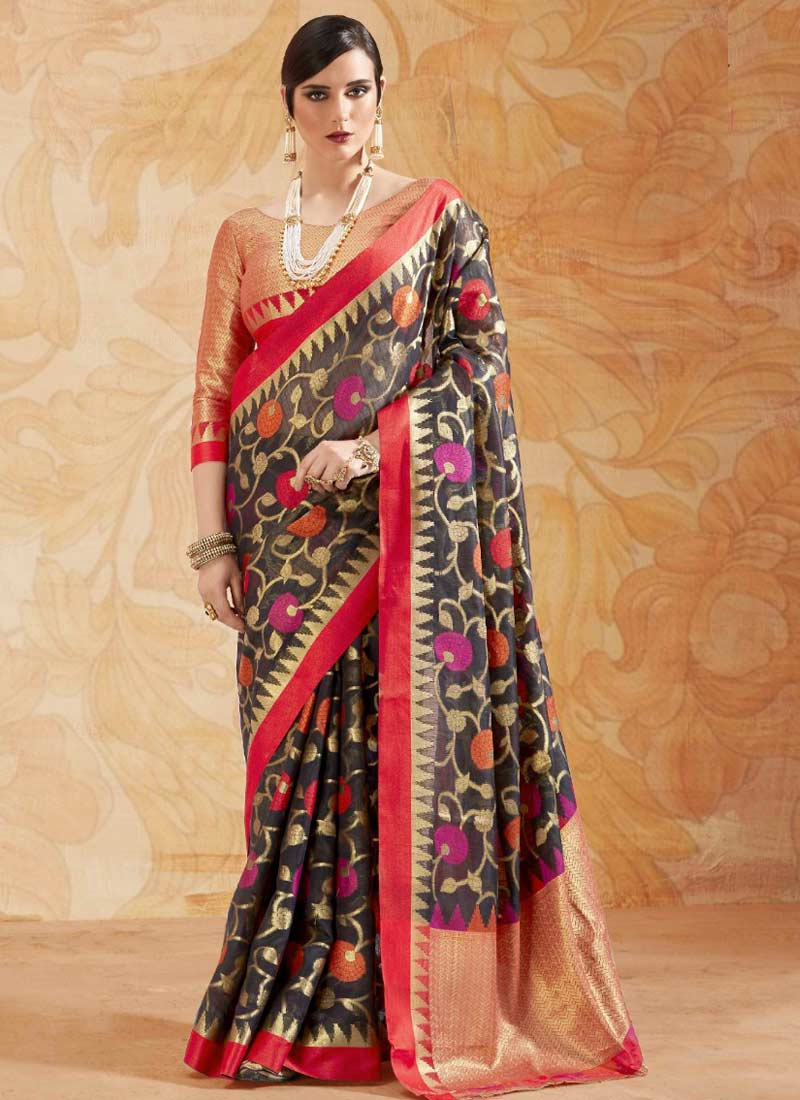 Scintillating Abstract Print Handloom silk Trendy Saree