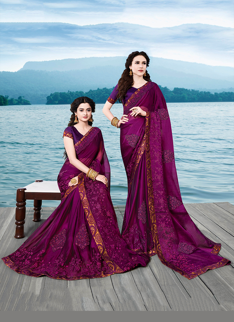 Titillating Casual Saree For Party